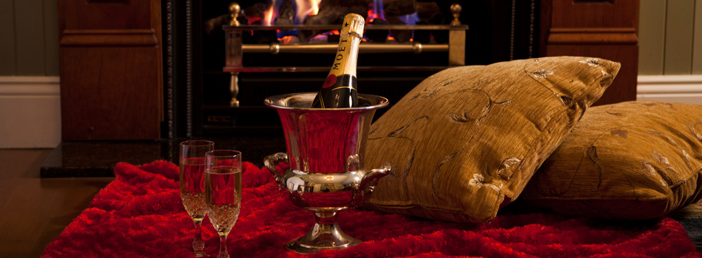 Romantic-Getaway-Fire-Champagne