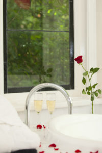 strawberry-leura-spa-window-1