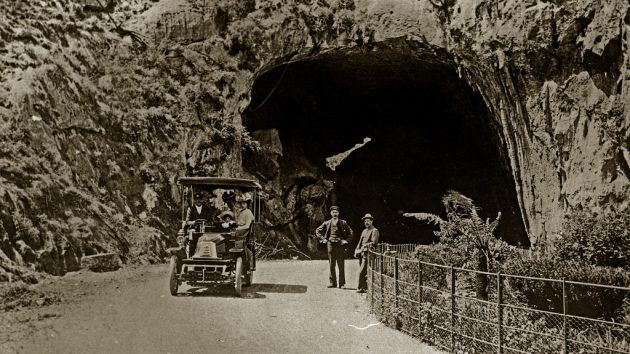 Blue Mountains history; jenolan caves