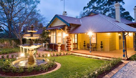 luxury leura accommodation