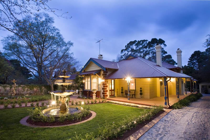 luxury-leura-accommodation