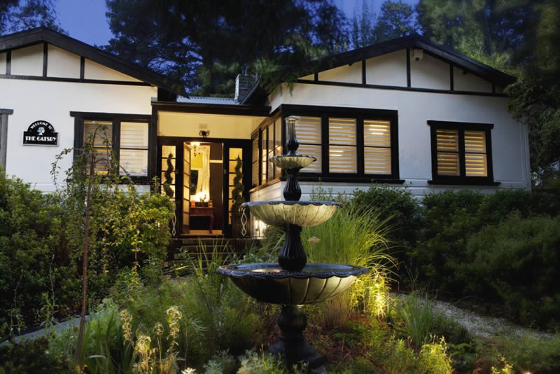 luxury accommodation at the gatsby in katoomba